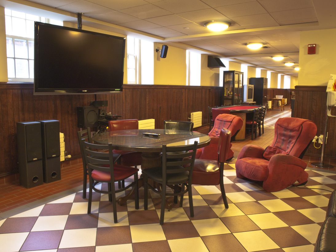 Timothy Dwight College - Lounge
